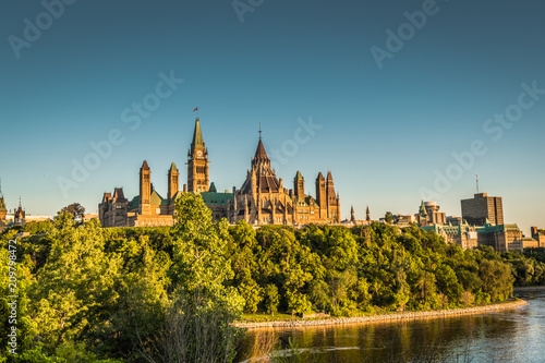Fotobehang Canada OTTAWA, ONTARIO / CANADA - JUNE 16 2018: OTTAWA PARLIAMENT BUILDINGS VIEW ON SUMMER DAY
