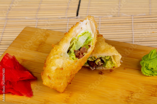 Foto Murales Delicious fried chicken roll