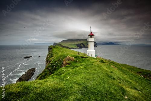 Fotobehang Vuurtoren lighthouse in mykines faroe