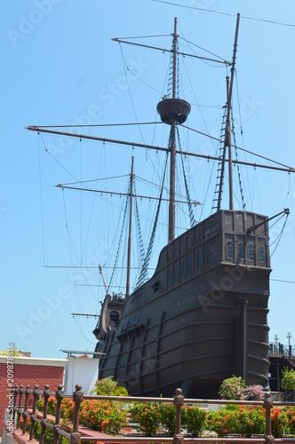 Fotobehang Schip A replica of a Portuguese Pirate ship