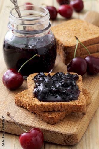 Foto Murales confettura o marmellata di frutta sfondo rustico