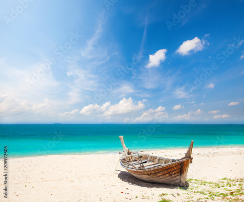 Foto Murales beach and fishing boat, koh Lanta, Thailand