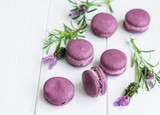 french macarons with lavender flavor - 209973697