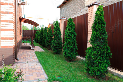 Aluminium Bruin Landscape design and its elements in photography