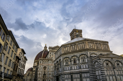 Fotobehang Florence Florence cathedral and dome at dusk in Tuscany