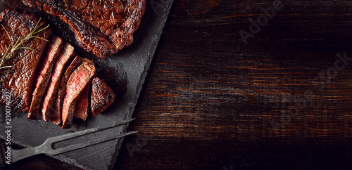 dinner for two with steaks and red wine - 210074092