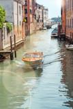 Bateau taxi à Venise - 210309665