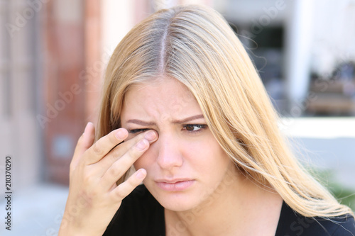 canvas print picture Woman with eye problems outside