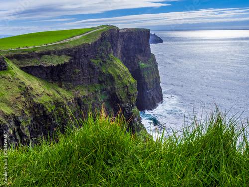 Aluminium Aubergine World famous Cliffs of Moher at the Atlantic coast of Ireland