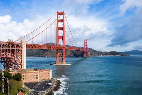 golden gate bridge daytime