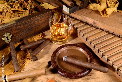 Zigarren und Whisky