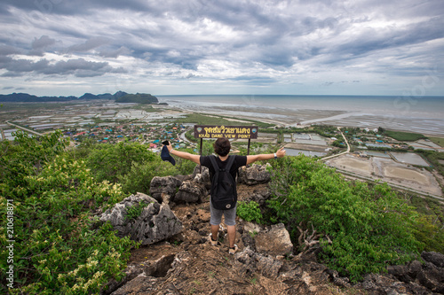 Fotobehang Bleke violet Male travelers The beauty of the surrounding (Khao Daeng viewpoint), which is located in Prachuap Khiri Khan, Thailand, is a tourist attraction to visit the beauty of the journey.