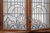 vitraux fenêtre maison art déco ancienne motifs animaux forêt - 210675803