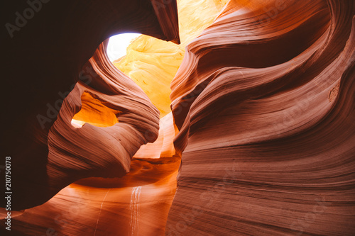Canvas Baksteen Amazing sandstone formations in Antelope Canyon, Arizona, USA