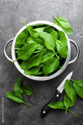 Spinach. Fresh spinach leaves - 210752287