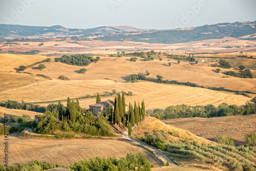 Fotobehang Toscane Beautiful typical countryside summer landscape in Tuscany, Italy