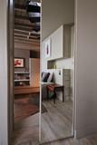 porte avec miroir séparation chambre et salon - 210991400