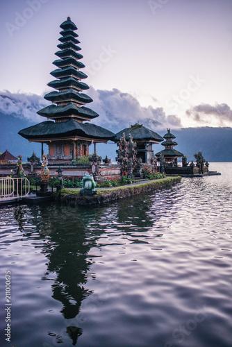 Fotobehang Bali Ulun Danu Beratan