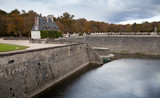 Stone banks of Loire river in Chenonceau - 211231283