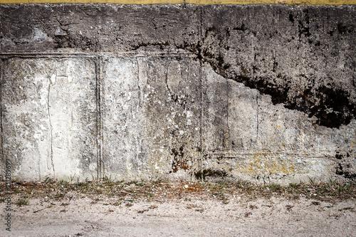 W wieku tynk ściany