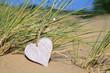 Leinwanddruck Bild - Herz im Sand