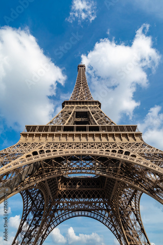 View up the Tour Eiffel from right in front of it. - 211631882