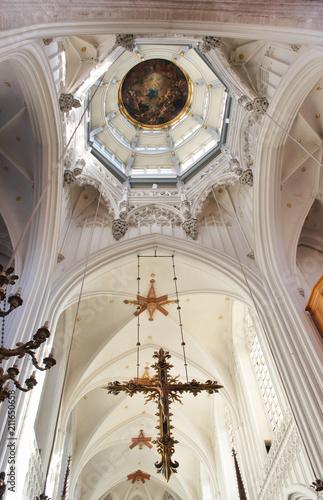 Fotobehang Antwerpen Cross and Dome