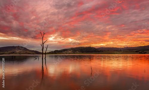 Foto Spatwand Baksteen Sunset lake side