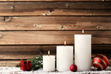 Christmas candles with fir-tree branches and baubles - 211828805