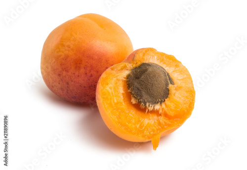 apricot isolated - 211890896