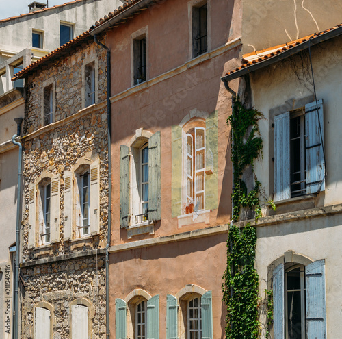 Traditional architectural facade in Provence, France © Alexandre Rotenberg
