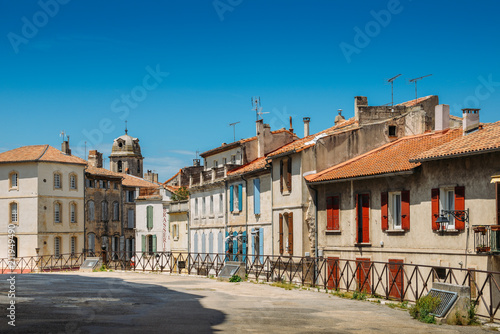 Arles in the south of France, typical paved side street of the city center © Alexandre Rotenberg