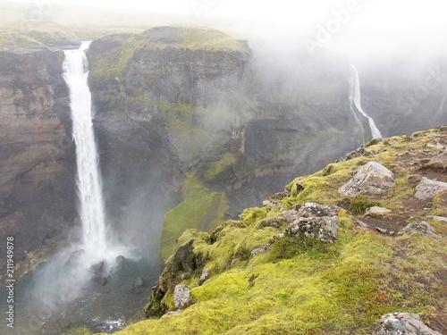 Aluminium Bergrivier Cascate in Islanda