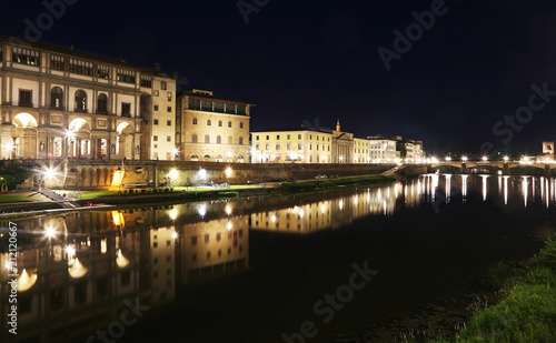 Fotobehang Florence night landscape of the Arno river of Florence or Firenze city Italy