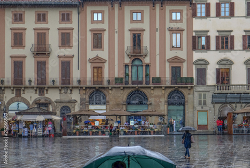 Fotobehang Florence Escaping the rain in Florence