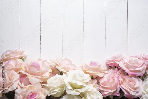 Leinwanddruck Bild Wedding flower background on white wood
