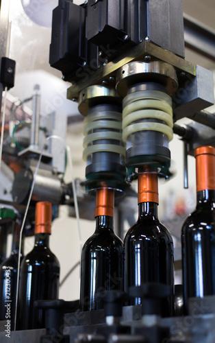 Aluminium Wijngaard Verkapselung von Rotweinflaschen