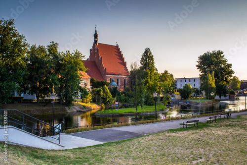 Zabytkowe stare miasto w mieście Bydgoszcz, Polska - 212338401