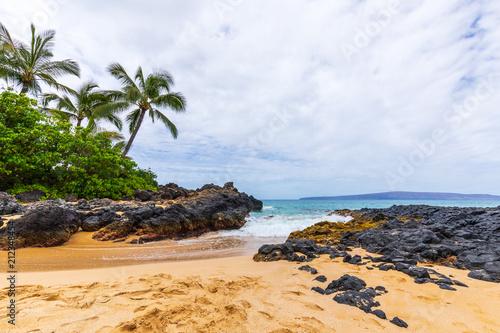 Fotobehang Tropical strand Scenic Secret Beach on the Maui Coast