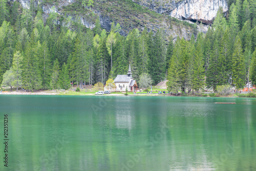 Aluminium Olijf Mountains Lakes and Nature in the Dolomites, Italy
