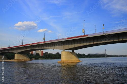 mata magnetyczna Most Śląsko-Dąbrowski na Wiśle w Warszawie (stan na 2018 rok).