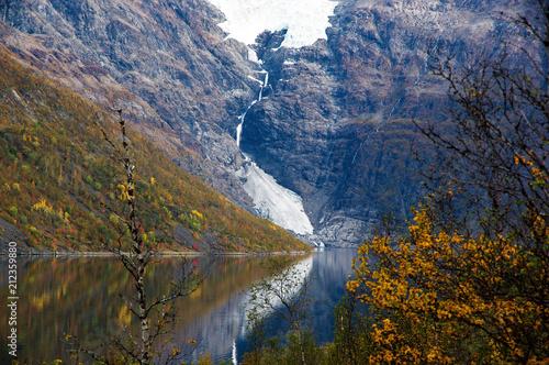 Fotobehang Nachtblauw Øksfjordjøkelen Gletscher in Nord Norwegen