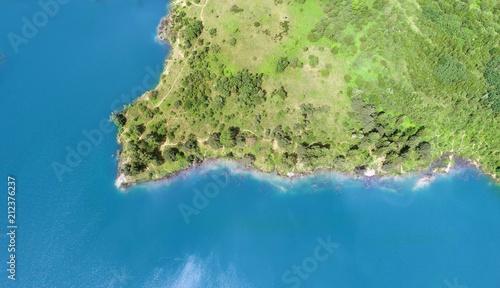 Aluminium Pistache Aerial landscape - Blue lake