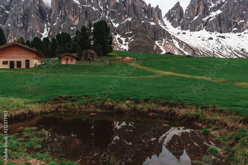 Aluminium Chocoladebruin Nature and Mountains in the Dolomites, Italy