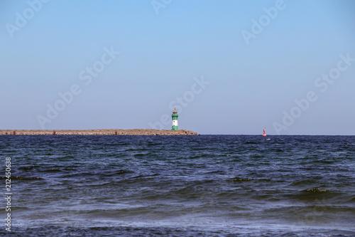 Fotobehang Vuurtoren Am Strand von Mukran, Rügen