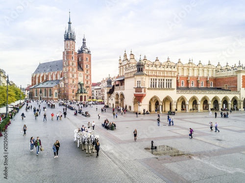 Fototapety, obrazy : Market square in heart of Krakow old town, Poland