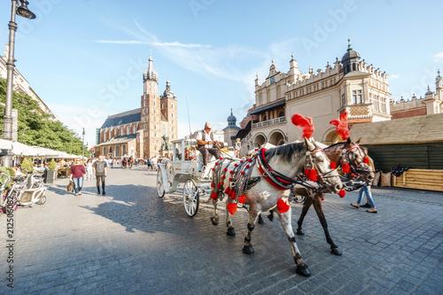 Zdjęcia na płótnie, fototapety na wymiar, obrazy na ścianę : Market square in heart of Krakow old town, Poland