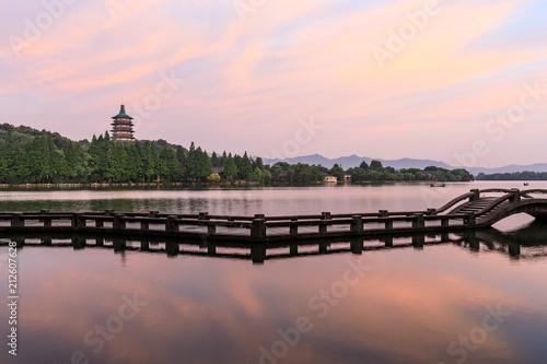 Fotobehang Lichtroze Beautiful Hangzhou West Lake landscape at sunset
