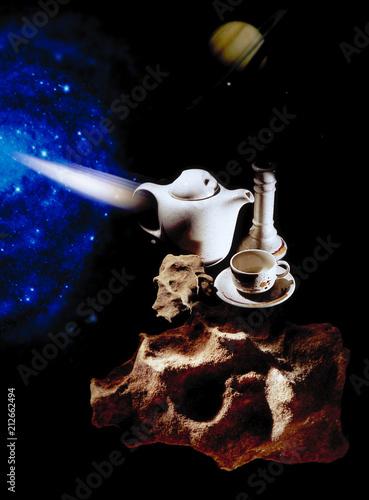 Lecący dzbanek z filiżanką w kosmosie - 212662494