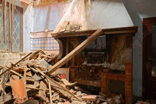 Cucina con camino Urbex Casa Horror Terremoto Tragedia | Buy Photos ...